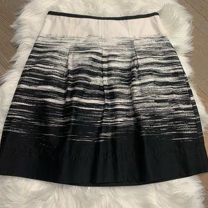 Ann Taylor Cream Black Horizontal Strokes Skirt 6